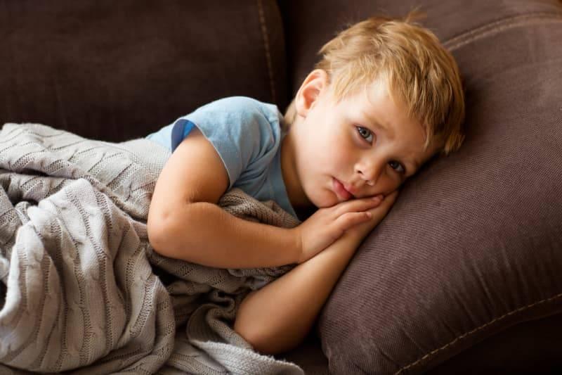 孩子總是裝病不想上學?做到「這些事」讓你的孩子從此不再抗拒上學!