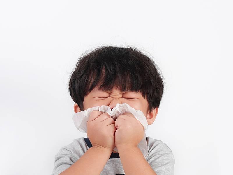 阿嬤帶感冒孫看醫生,沒緩解反而出現新症狀狂抱怨,兒科醫師:感冒症狀不會一起出現一起結束!