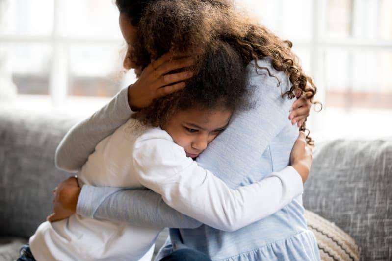 道歉方式比道歉本身更重要!三步驟讓孩子主動開口認錯,教出高EQ寶寶不是夢