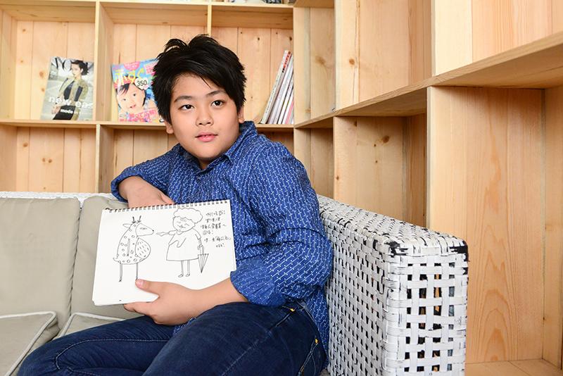 10歲插畫家「迷路」 在愛的境界裡.努力當個資優生
